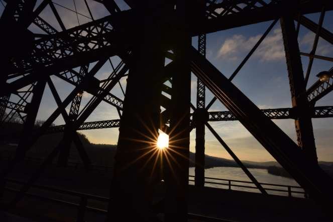 sunrise at hot metal bridge pittsburgh