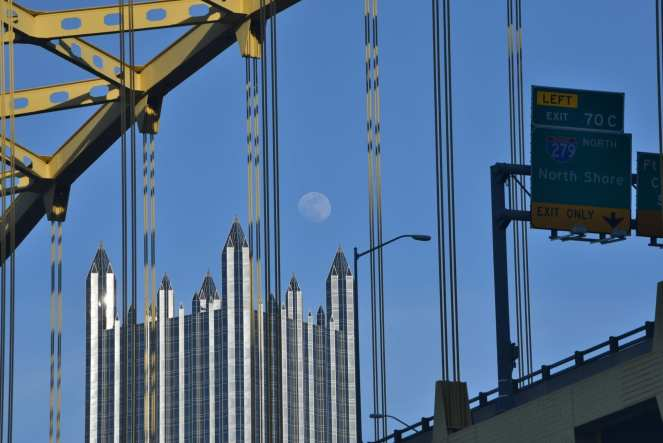 full moon pittsburgh ppg building fort pitt bridge exit sign north shore
