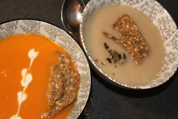 Gemüse-Creme-Suppen mit Crunchy Slides von SMART BREAD