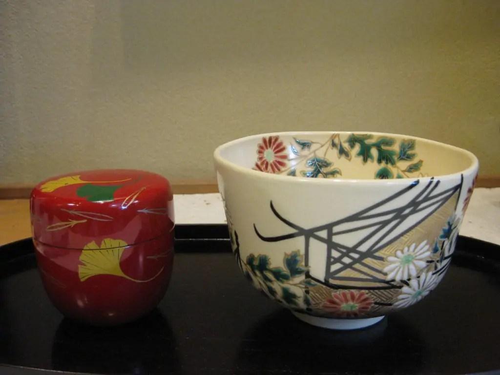 菊絵の抹茶茶盌