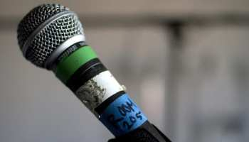 Singing Tips: How to Sing Into a Microphone – TakeLessons Blog