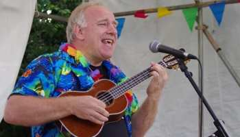 5 Easy Ukulele Songs to Play This Summer – TakeLessons Blog