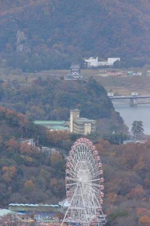 犬山城とモンキーパークの観覧車