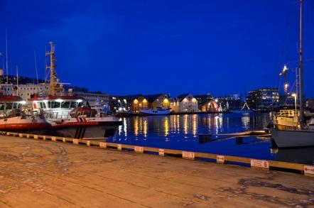 トロムソ 街 港