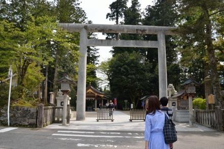白山比咩神社(しらやまひめじんじゃ) 鳥居