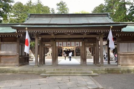 白山比咩神社(しらやまひめじんじゃ) 入口