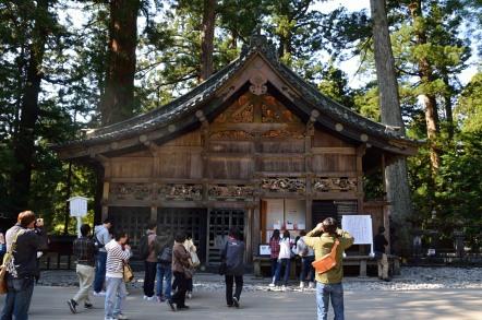 神厩舎・三猿(しんきゅうしゃ・さんざる)