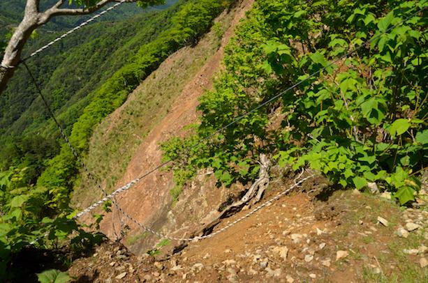 竜ヶ岳 中道登山道 がけ崩れ箇所