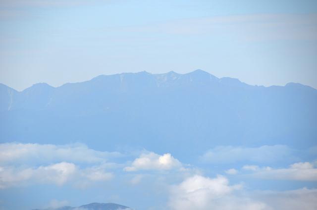 蓼科山 山頂 宝剣岳、木曽駒ヶ岳