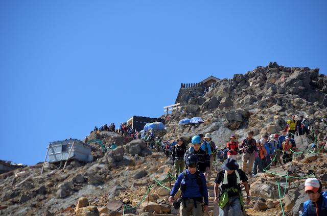 御嶽山 黒沢口登山道 規制一時解除区域 剣ヶ峰方面