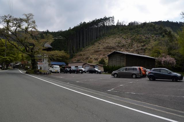 鳳来寺山 登山者用駐車場