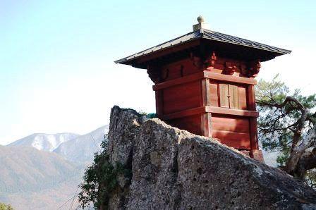 写経を納める山内最古の建物