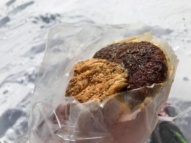 伊吹山 冬 雪山登山 味噌カツバーガー