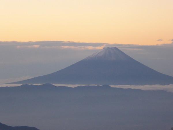 赤岳展望荘 夜明け 富士山