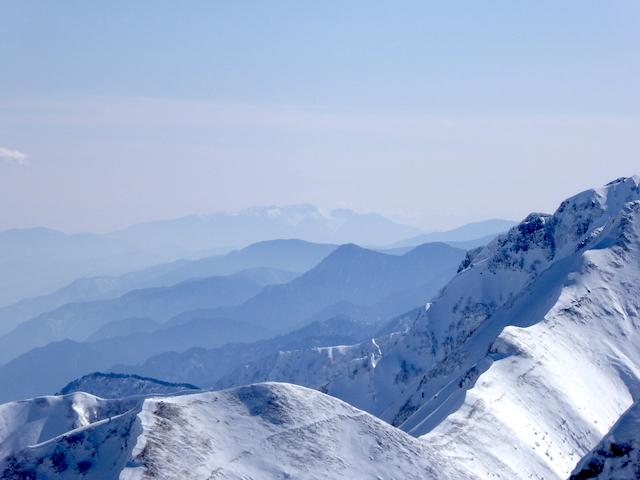唐松岳頂上山荘からの眺め 中央アルプス方面