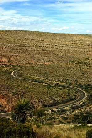 Walnut Canyon, road to Carlsbad Caverns
