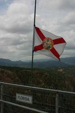 florida state flag, Royal Gorge Park, Suspension Bridge