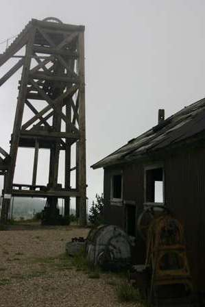 headframe and ghost town, American Eagles mining mine overlook