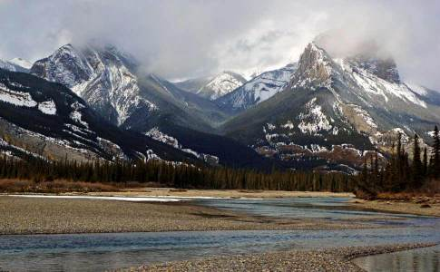 1050_athabascarivervalley