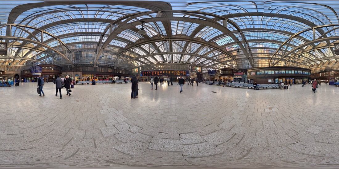 The concourse and of Glasgow central station in Scotland