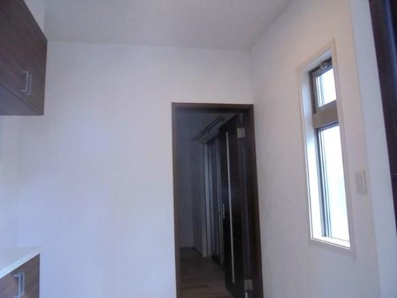 玄関の珪藻土塗り