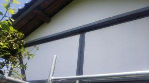 漆喰の妻壁と小壁