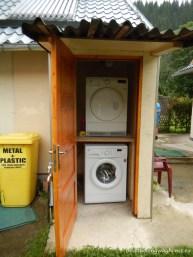 Mașină pentru spălat și uscat haine