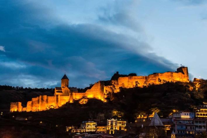 قلعة ناريكالا إحدى معالم السياحة في تبليسي
