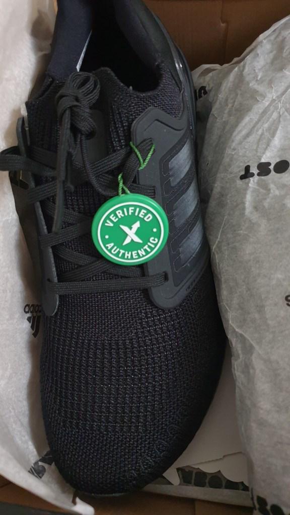 تجربة شراء من موقع stockX لجزمة Adidas Ultraboost 208