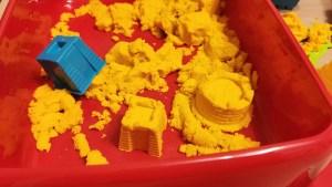 W co bawić się w domu – kreatywna zabawa z dwulatkiem