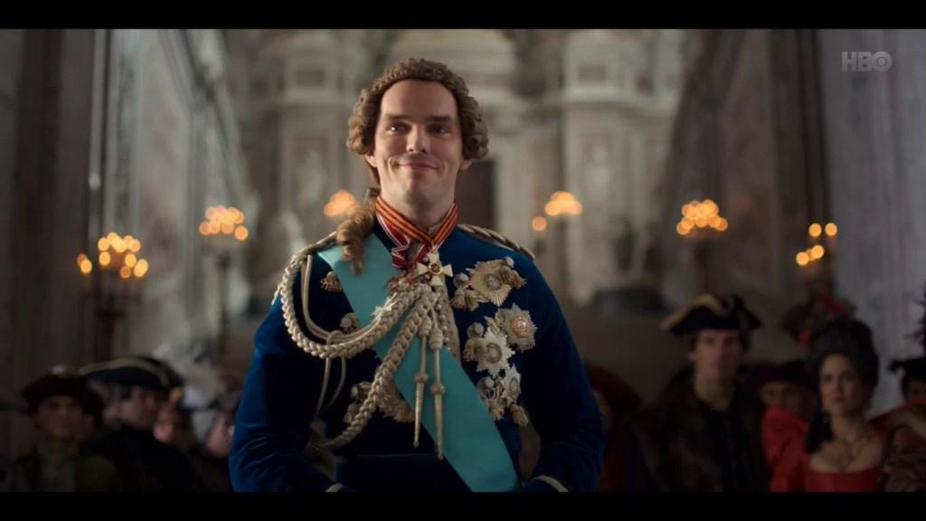 Nicholas Hoult jako car Piotr