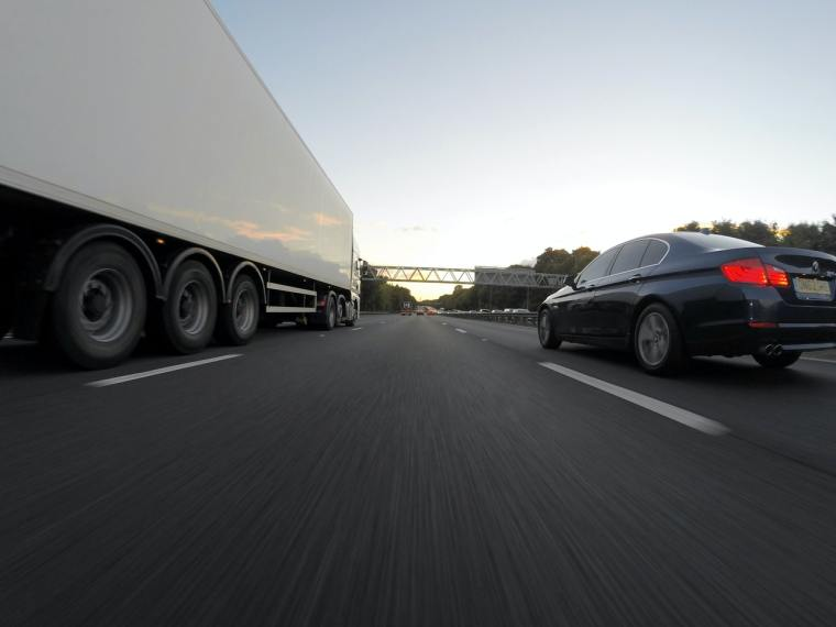 Top Tips For Managing Your Fleet Of Drivers Safely