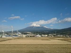 新横浜に向かう車窓からの富士山