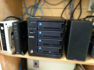 入れ替えて新しくなったNAS(Network Attached Storage)
