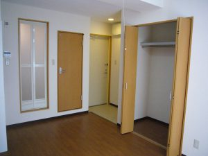全室10畳+ベランダの広々とした個室の1R寮です