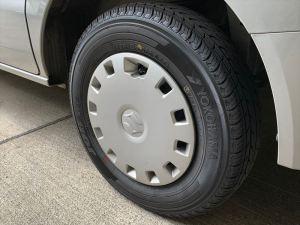 新しいタイヤに履き替えた後輪
