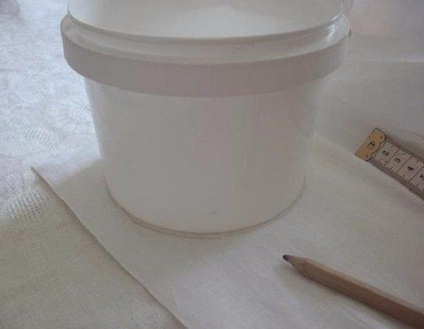 пасхальная корзинка из пластиковой упаковки