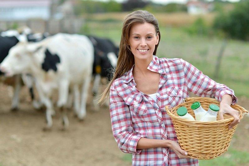 полезно ли пить молоко взрослым