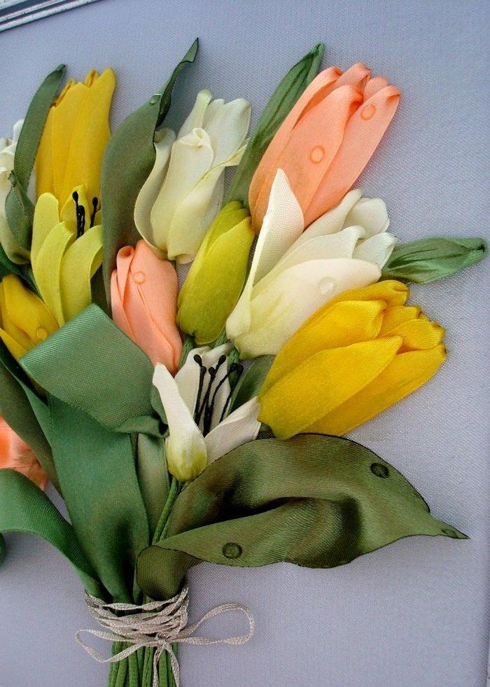 тюльпаны из шелковых лент