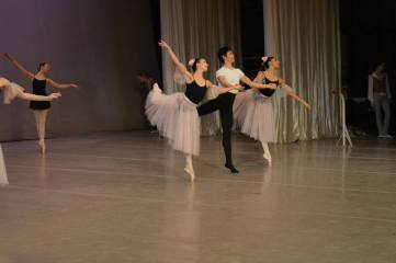 Tala Lee-Turton - Small Grand Pas, Bolshoi Ballet Academy Winter Performance 2013