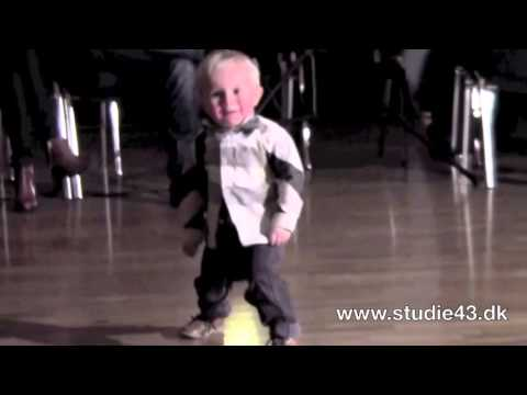 Amazing Video : Two Year Old Dancing to Jailhouse Rock : March 23