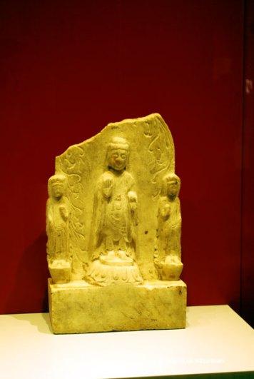 Statuie de piatra infatisandul pe Buddha ~550 d.Ch.