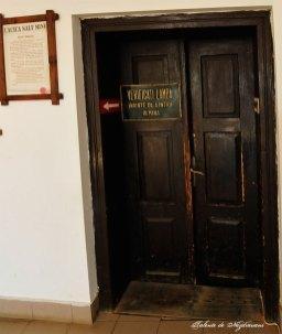 Salina Cacica - ușa de coborâre în mină