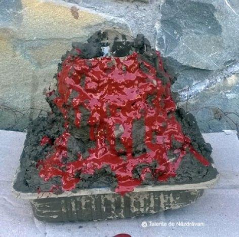 Experiment - vulcanul care erupe