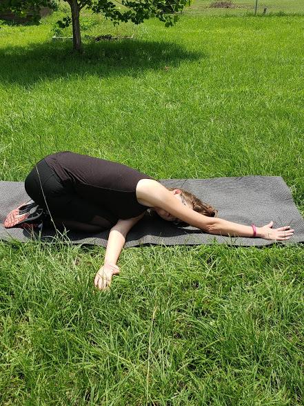 upper body yoga - thread the needle