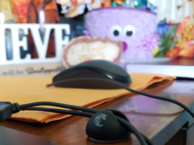 comfortable workspace cable clips