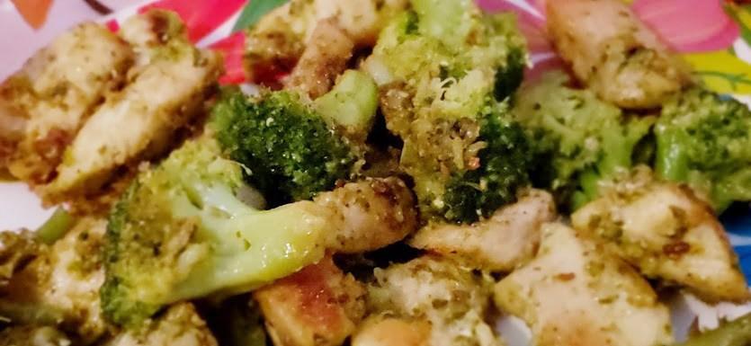 Keto Pesto Chicken on a plate