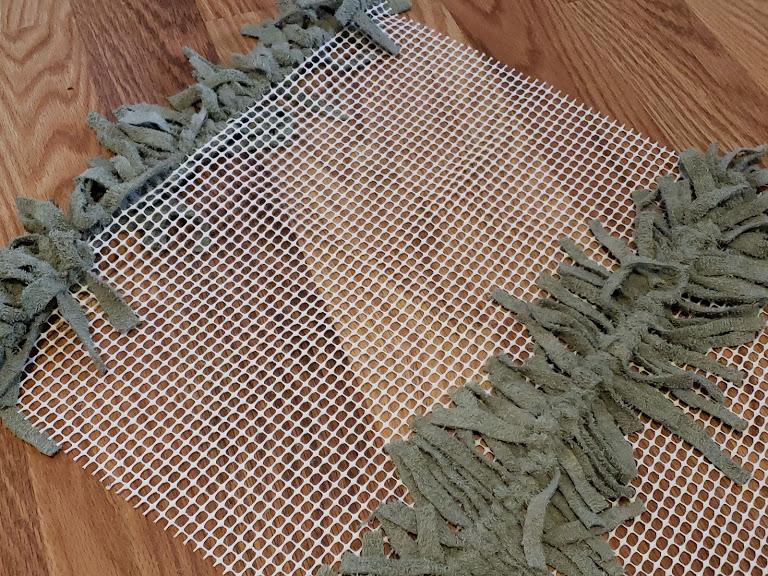 A simple way to start a DIY Rag Rug