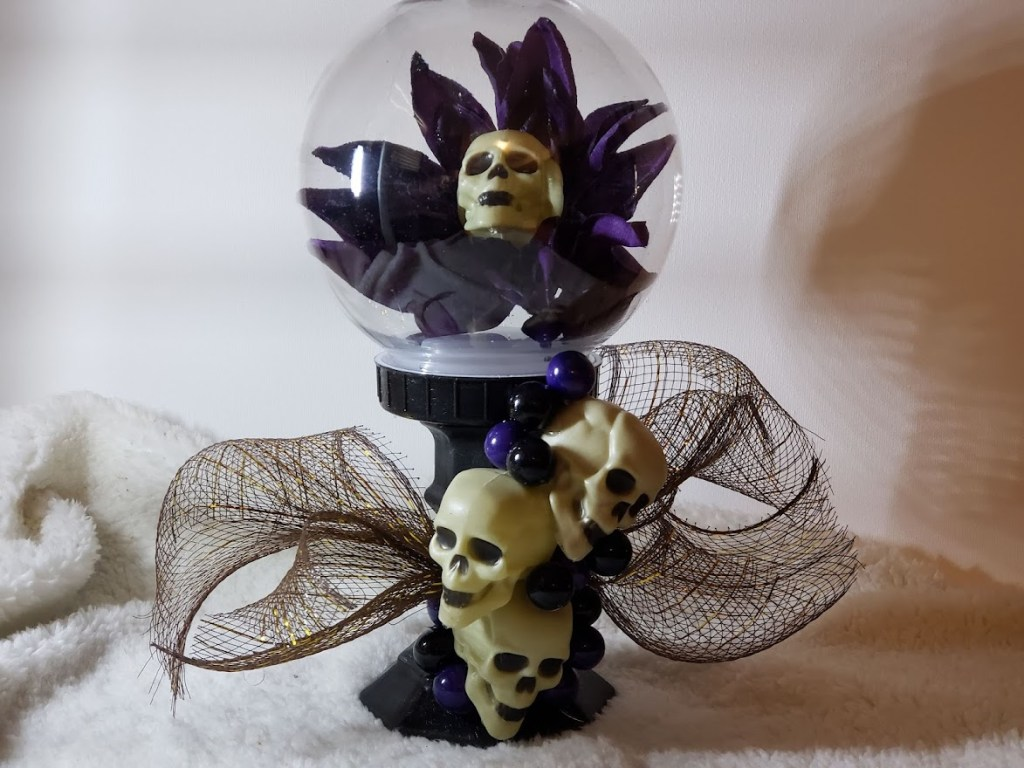 Dollar store crystal ball craft, perfect for halloween