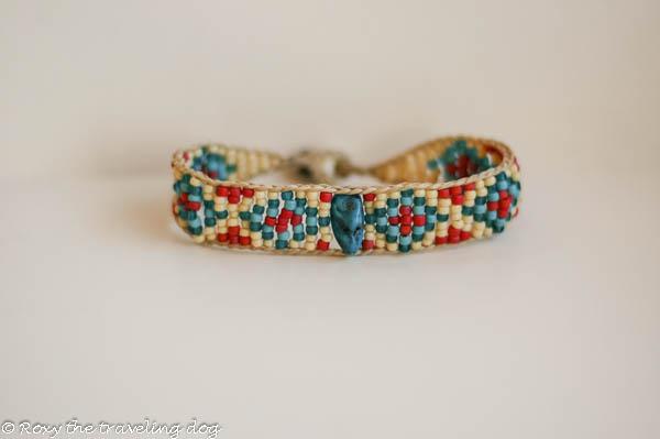Roxy Doggie Neclace, beaded bracelet
